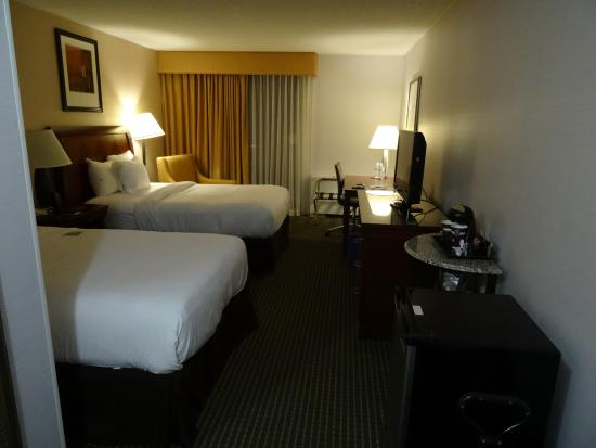 DoubleTree by Hilton Hotel Syracuse: nice clean room, fridge, wifi, balcony