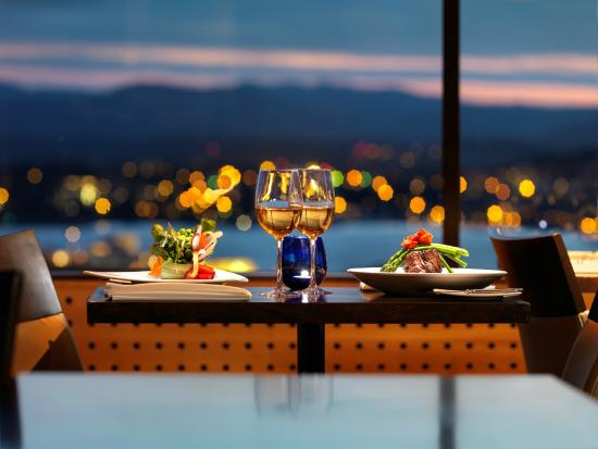 Vista 18: Dine with a view of the Olympic Mountains