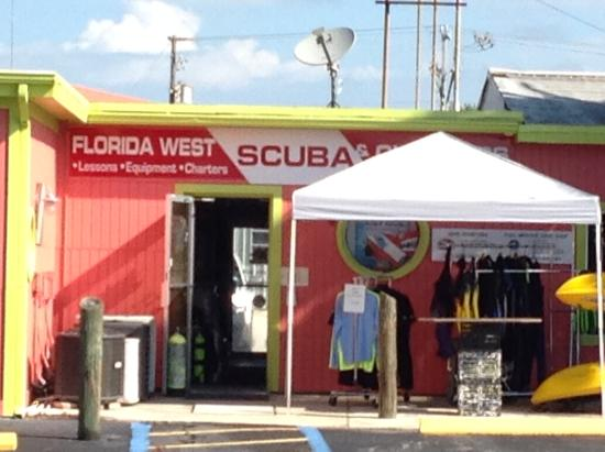 ‪Florida West Scuba and Charters‬