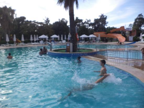 Holiday Resort Hotel: a nice place