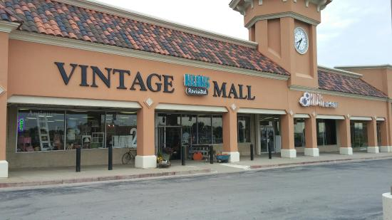 Decades Revisited a Vintage Mall