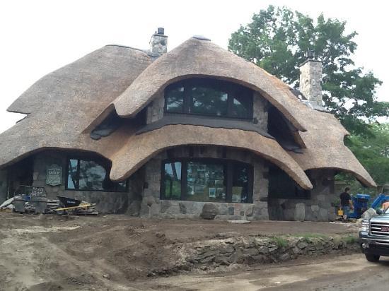Mushroom Houses of Charlevoix : Mushroom home under construction