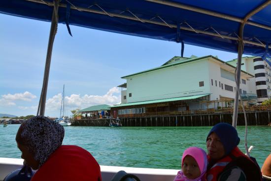 Smart Divers Resort: Boat trip to Mabul