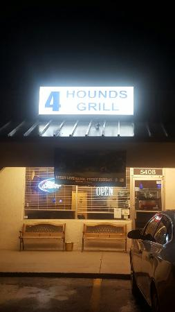 4 Hounds Grill