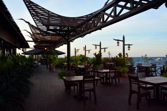 Smart Divers Resort: Outside the restaurant at the over the water side