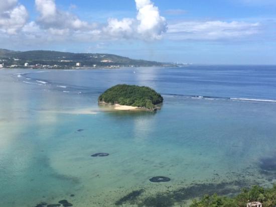 Onward Beach Resort: 部屋からひょっこりひょうたん島