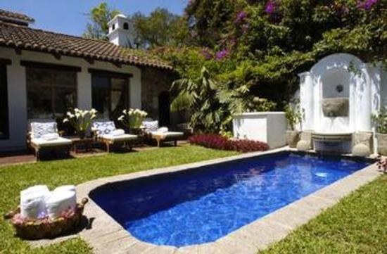 Casa Encantada: Pool