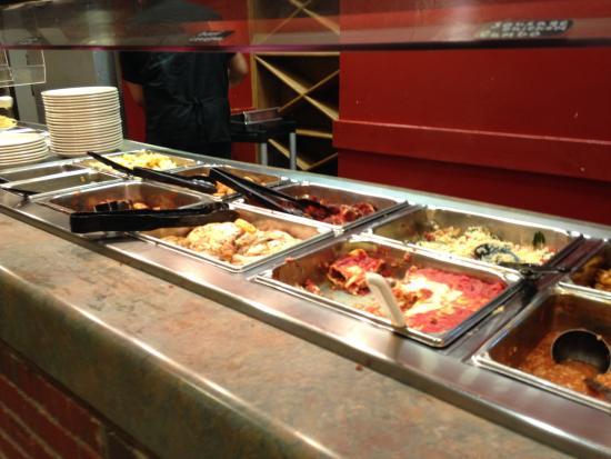Milton's Pizza & Pasta: hot bar, grilled chicken lasagna etc