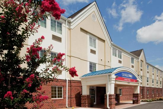 Candlewood Suites Colonial Heights: Hotel Exterior