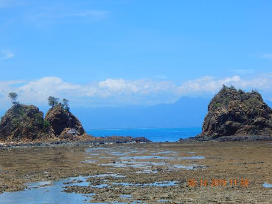 the beach front picture of diguisit rock formations