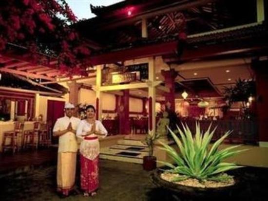 Diwangkara Beach Hotel & Resort : Exterior View