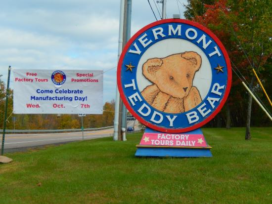 Road Sign Picture Of Vermont Teddy Bear Company Shelburne