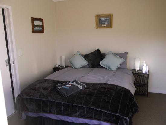 Longhouse Bed and Breakfast: Princess Room
