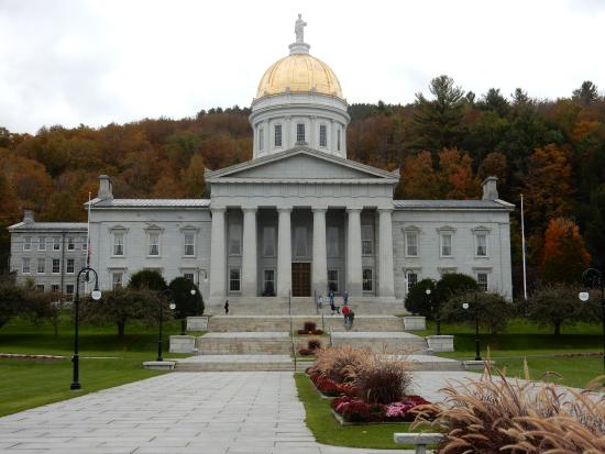 State capitol picture of vermont state house montpelier for Building a house in vermont
