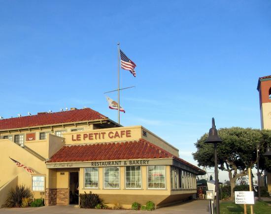Le petit cafe ventura ca picture of le petit cafe for Petit restaurant