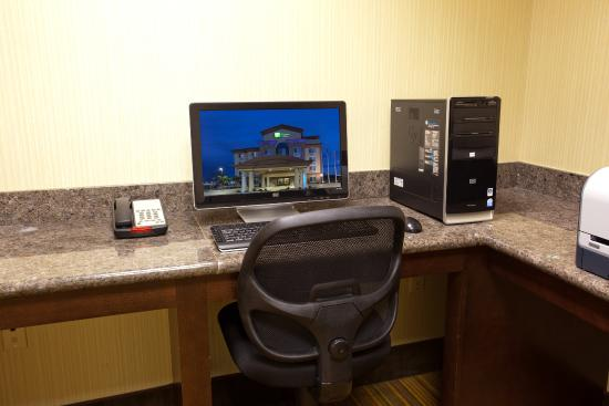 Holiday Inn Express Hotel & Suites Fresno South: Hotel Feature