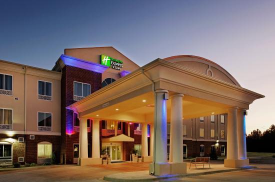 Photo of Holiday Inn Express Hotel & Suites Talladega