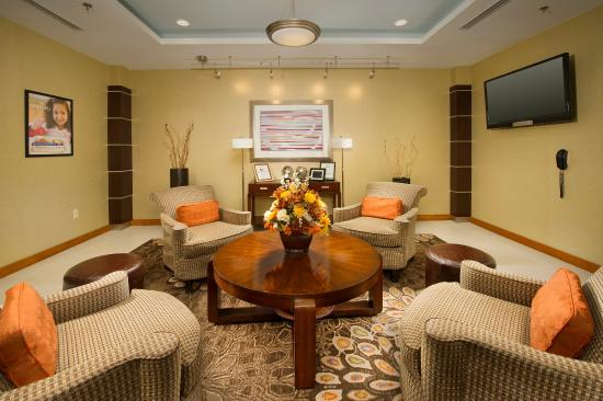 Holiday Inn Express Hotel & Suites Columbia East - Elkridge: Hotel Lobby