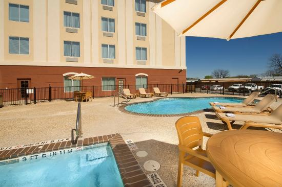 Holiday Inn Express Hotel & Suites Uvalde: Swimming Pool