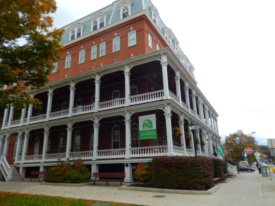 Vermont Historical Society Museum: Vermont Historical Museum