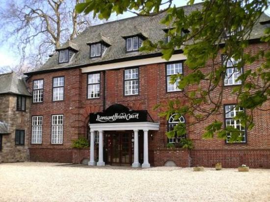 Llansantffraed Court: Exterior