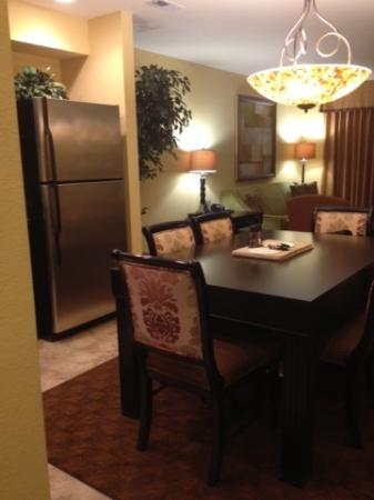Spacious Kitchen Dinning Area Overlooking Living Room Picture Of The Colonies At Williamsburg