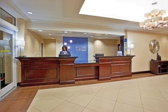 Holiday Inn Express Hotel & Suites Columbus - Fort Benning: Hotel Lobby Holiday Inn Express & Suites Columbus-Fort Benning