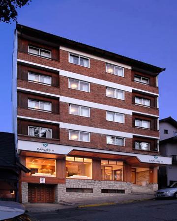 Hotel Carlos V Patagonia Bariloche: Exterior