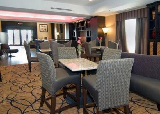 Comfort Suites Buda – Austin South Hotel: Lobby
