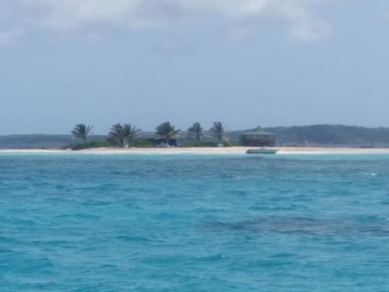 Simpson Bay, St. Martin/St. Maarten: Closer look of Sandy Island