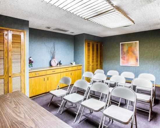 American Inn & Suites Mesa: AZ Meeting Room
