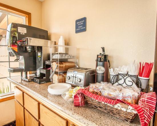 Rodeway Inn & Suites Portland: Or Bkfast