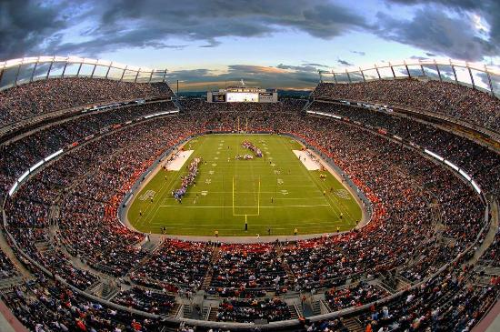 Embassy Suites by Hilton Denver - Downtown / Convention Center: Sports Authority Field at Mile High Stadium - Denver Broncos Professional Football