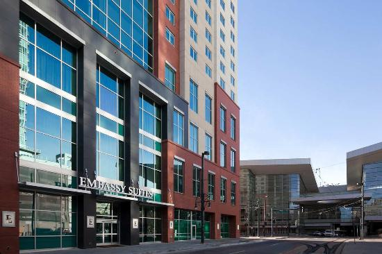 ‪‪Embassy Suites by Hilton Denver - Downtown / Convention Center‬: Hotel Exterior‬
