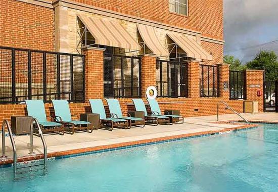 Fairfax, Βιρτζίνια: Outdoor Pool