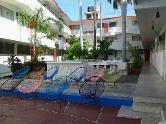 Hotel Embassy: Court yard!
