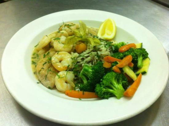 Ukiah, Kaliforniya: Dinner special with Shrimp