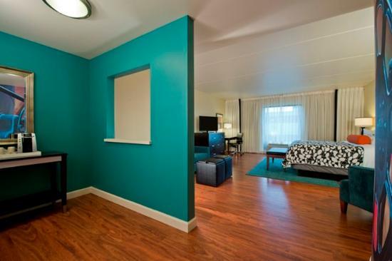 Κόλετζ Παρκ, Τζόρτζια: King Bed Guest Room