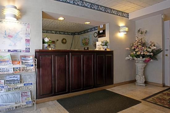 Americas Best Value Inn Pottstown: Front Desk