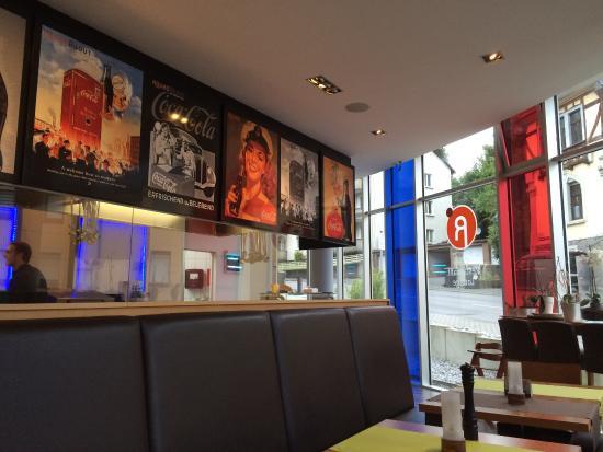 Roundabout Cafe Restaurant Lounge Gmbh  Ef Bf Bdffnungszeiten