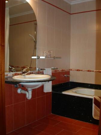 Hotel Canada : Bathroom