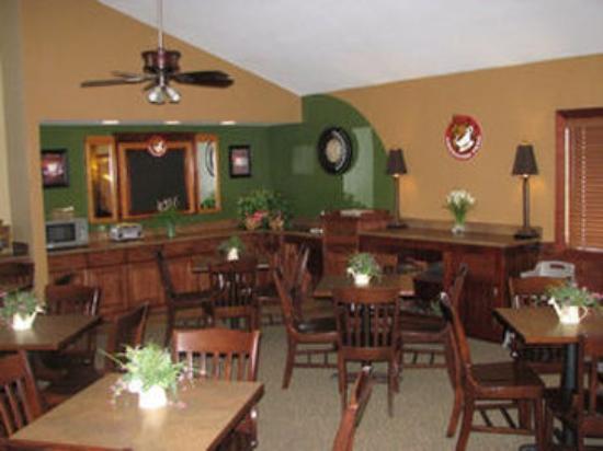 Borger Ambassador Inn: Breakfast