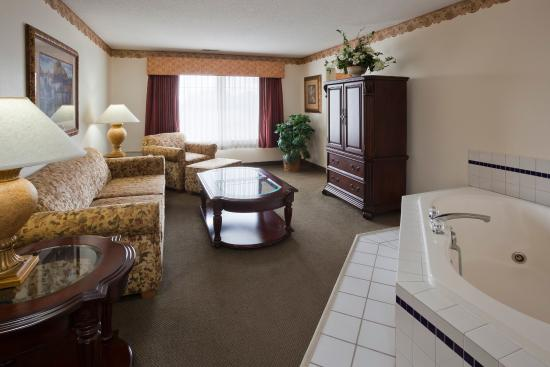 Crossings By Grandstay Inn And Suites Montevideo Updated