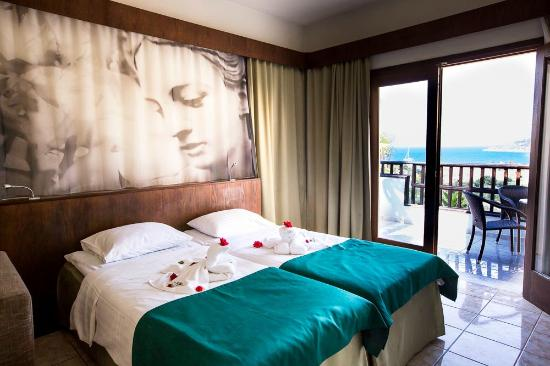 Langley Resort Almirida Bay: Room