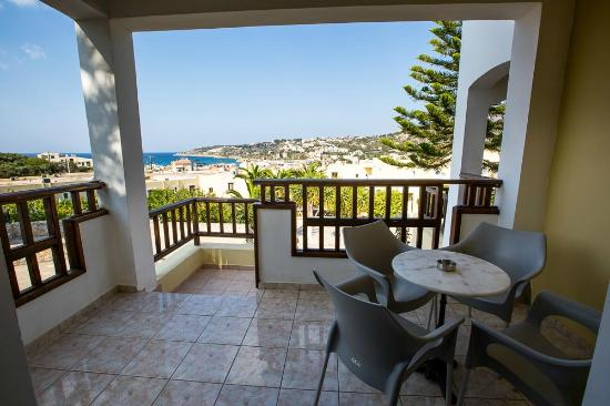 Langley Resort Almirida Bay: Room with terrace
