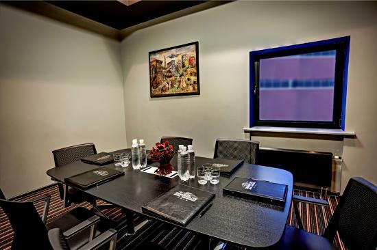 "Отель ""Космополит"": Board Room"