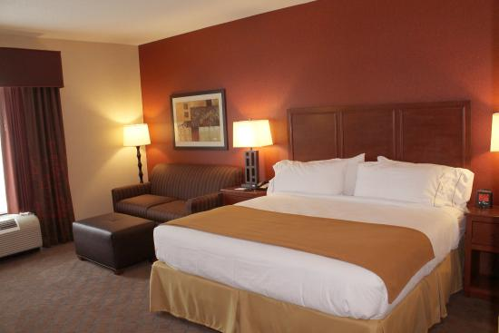 Holiday Inn Express Hotel & Suites Paducah West: Standard King Room with Refrigerator & Microwave