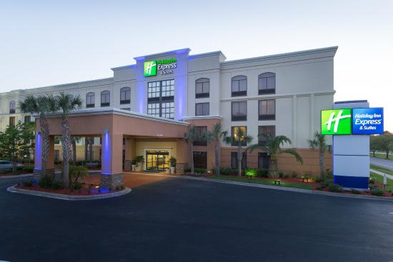 Holiday Inn Express & Suites Jacksonville Airport: Hotel Exterior