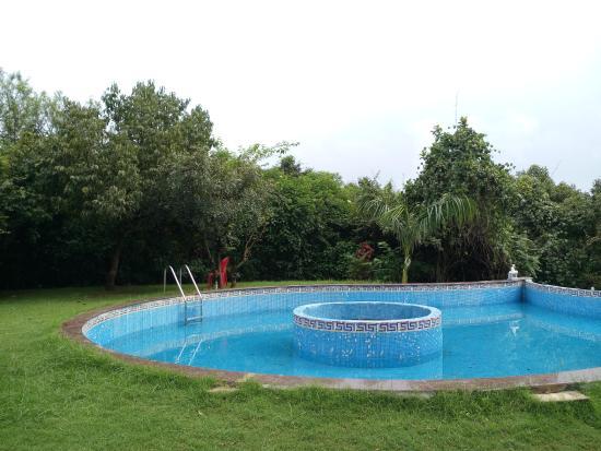 SVInns Dwarkadhish Resort: Pool