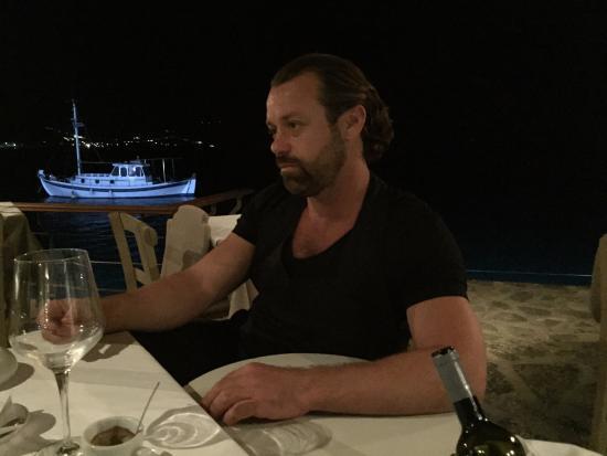 Ferryman Taverna: Patron Akis
